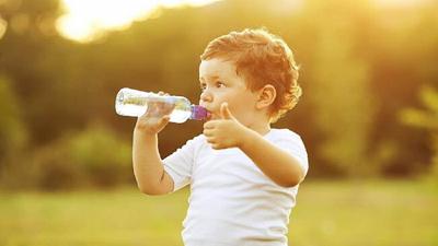 Thực phẩm tốt nhất cho trẻ nhỏ khi bị tiêu chảy và những điều cần tránh